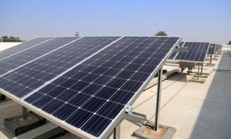 4.1 Saulės energijos panaudojimas mažinant bendrovės kaštus ir taikant mažesnį tarifą Bendrovės klientams. Saulės elektrinių įrengimas.jpg